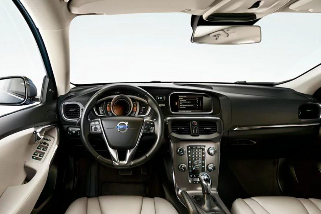 v40_interior_1.jpg